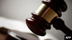 Обама просит исключить его из состава присяжных