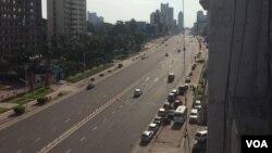 Vue d'une rue de Kinshasa lors de la journée ville morte, en RDC, le 3 avril 2017. (VOA)