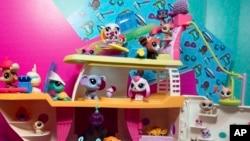 美国国际玩具展览会上孩之宝公司的玩具。