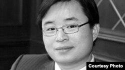 中国作家慕容雪村(微博图片)