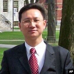 Prof. Tong Zhenyuan of National Chengchi University 国立政治大学教授童振源 (童振源提供给大卫)