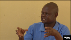 Llyod Kasima, the acting district administrator for Chimanimani district says Cyclone Idai deaths now stand at 181, March 26, 2019. (C Mavhunga/VOA)
