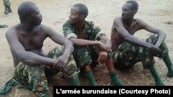 Trois militaires accusés de complicité avec les insurgés à Bujumbura, Burundi, 11 décembre 2015. Photo/Armée burundaise