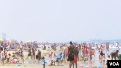 Incluso Virginia Beach, clasificada por la revista Forbes entre las mejores 50 ciudades para los negocios y trabajos, está sufriendo económicamente.