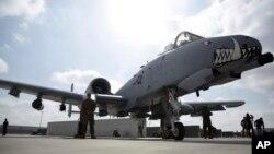 지난달 23일 아프가니스탄 칸다하르 공군기지에 미군 전투키 A-10C가 대기하고 있다. (자료사진)