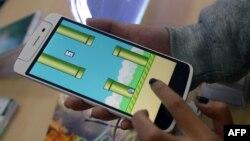 Flappy Bird lleva más de 50 millones de descargas y general unos $40 mil dólares diarios en publicidad. Sin embargo, su desarrollador está cansado de su gran invento.