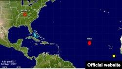 El Centro Nacional de Huracanes dice que aún es pronto para determinar la trayectoria de Irma, que el viernes giró hacia occidente y amenaza el Caribe y EE.UU.