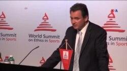 Qətər 2022-ci il Futbol üzrə Dünya Çempionatına ev sahibliyi etməkdə təkid edir