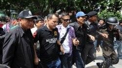 سرخپوشان مخالف دولت تايلند دست به تظاهرات خيابانی زدند