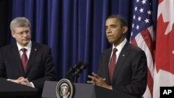 سهرۆک ئۆباما و سهرهک وهزیری کهنهدا ستیفن هارپهر له میانهی کۆنگرهیهکی ڕۆژنامهوانی له کۆشـکی سـپی، ههینی 4 ی دووی 2011