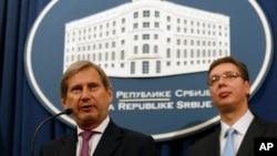 Evropski komesar za politiku susedstva Johanes Han i premijer Srbije Aleksandar Vučić