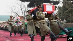 والی پیشین کنر می گوید که پاکستان در کشتار سربازان در کنر دست داشت.