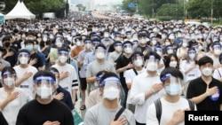 韩国首尔住院医生8月7日举行24小时罢工,抗议政府计划未来10年增加医学院招生人数以应对可能发生的大规模传染病爆发(路透社提供)