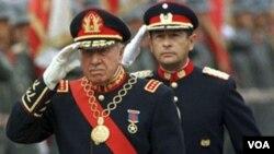 Augusto Pinochet murió el 10 de diciembre de 2006, por una afección cardíaca.