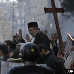 Učesnici jučerašnjih protesta u Beogradu