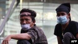 Bangkok'ta Gergin Bekleyiş