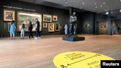Suasana di Museum Van Gogh Museum, Nederland, Belanda, 1 Juni 2020, yang dibuka kembali setelah beberapa bulan ditutup karena pandemi Covid-19. (Foto: dok)