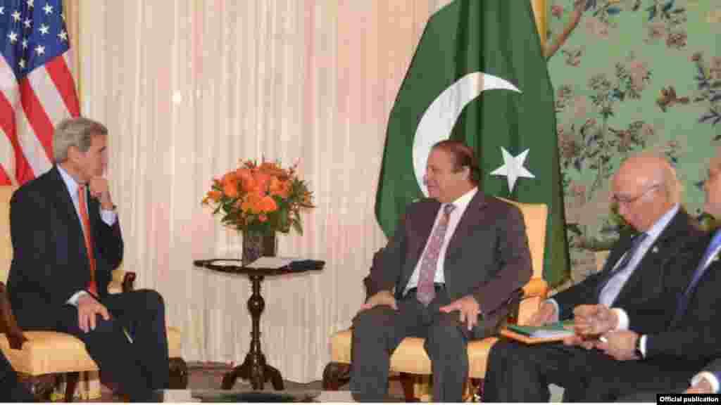 امریکی وزیر خارجہ سے ملاقات میں باہمی دلچسپی کے معاملات کے علاوہ علاقائی و بین الاقوامی امور پر تفصیلی بات چیت کی گئی۔