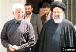 سعید جلیلی (چپ) و ابراهیم رئیسی هر دو مشهدی هستند. غیر از این دو، قالیباف رئیس مجلس و همچنین آیت الله خامنهای نیز اهل مشهد هستند که به قدرت رسیدند.