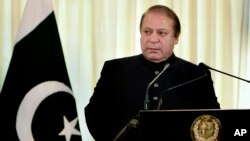 PM Pakistan Nawaz Sharif yang menolak untuk mengundurkan diri (foto: dok).