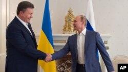 Виктор Янукович и Владимир Путин, 25 августа 2012г.