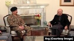 巴基斯坦陸軍參謀長拉西爾.謝里夫星期三與阿富汗總統加尼就兩國邊界安全問題舉行會談。