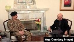 阿富汗总统加尼与巴基斯坦陆军参谋长谢里夫一行在喀布尔举行会谈