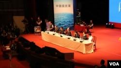 国民党召开临全会,讨论废止洪秀柱候选人提名案。(美国之音李逸华拍摄)