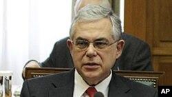 Thủ tướng Hy Lạp Lucas Papademos tại cuộc họp nội các ở Athens, ngày 9 tháng 3, 2012.