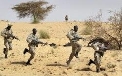 Un officier assassiné à Tombouctou, par Abdoulaye Traore, directeur de Radio Bouctou, partenaire de VOA Afrique