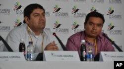 Los representantes de los jóvenes, Luis Viguria y Carlos Santiago, durante el encuentro en el marco de la Cumbre de las Américas.