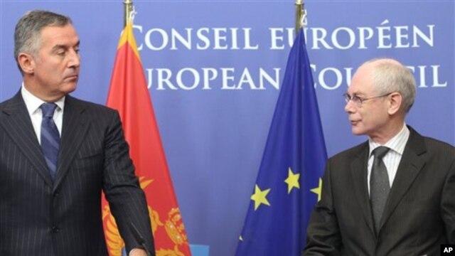 Predsednik Evropskog saveta Herman van Rompuj i crnogorski premijer Milo Djukanović u Briselu 21. januara 2013.