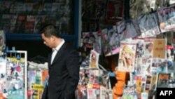 Çinin sabiq rəsmiləri ölkədə söz azadlığına hörmət olunmasına çağırıb