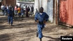 2015年5月15日布隆迪警察在执行任务。