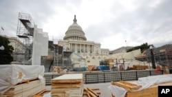 Persiapan konstruksi di depan gedung Kongres AS. Di sinilah nanti Presiden terpilih AS, Donald Trump akan dilantik sebagai Presiden AS ke-45 pada 20 Januari 2017.
