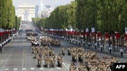 Parada povodom Dana Bastilje duž Šanzelizea, u četvrtak 14. jula 2011.
