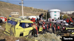 عکس آرشیوی از واژگونی اتوبوس دانشگاه آزاد واحد علوم و تحقیقات در دی ماه امسال که ۱۰ کشته و ۲۵ مصدوم برجای گذاشت