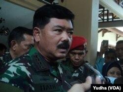 Panglima TNI, Marsekal TNI Hadi Tjahjanto (Foto: VOA/Yudha)