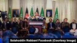 اسلامي جمعیت وايي، که حکومت یې غوښتنې و نه منلې، د افغانستان له نورو ګوندونو او سیاسي جریانونو سره په مشورې به، لازمې پریکړې وکړي.