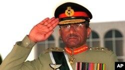 جنرال پرویز مشرف په ١٩٩٩ کال کې د سپینې کودتا له لارې د نواز شریف حکومت ړنگ کړ.