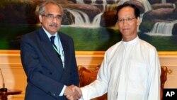 버마를 방문 중인 비제이 남비아르 유엔 버마 특사가 15일 사이 마우크 캄 부통령과 회담했다.