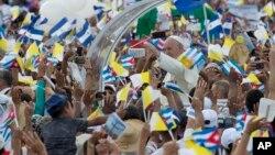 Papa Franja stiže na misu u Havani