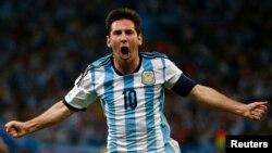 Lionel Messi celebra el segundo gol de Argentina, que a la postre resultó ser el del triunfo frente a Bosnia.