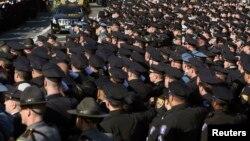 Hiljade ožalošćenih na sahrani ubijenog policajca Vendžiana Liua u Njujorku