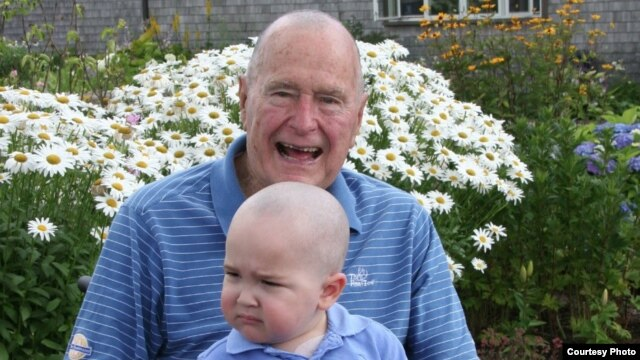 Former US President George H.W. Bush pictured with Patrick, who is suffering from leukemia. (credit: Office of George HW Bush)