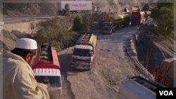 Pakistán suspendió todas las rutas de abastecimiento de la OTAN hacia Afganistán a través de su territorio tras un incursión aérea.