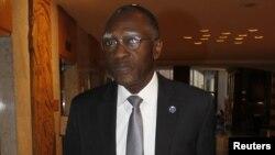 Kepala tim pengamat PBB asal Senegal, Jenderal Babacar Gaye meninggalkan Damaskus hari Sabtu (25/8).