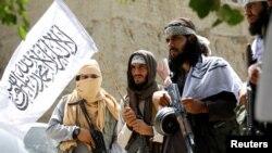 Tư liệu - Taliban ăn mừng hưu chiến ở huyện Ghanikhel của tỉnh Nangarhar, Afghanistan, ngày 16 tháng 6, 2018.