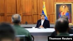 Nicolás Maduro participa en un encuentro con representantes de las Fuerzas Armadas venezolanas en el Palacio de Miraflores, en Caracas.