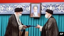 مراسم تحلیف رئیسی روز پنجشنبه ۱۴ مرداد برگزار خواهد شد